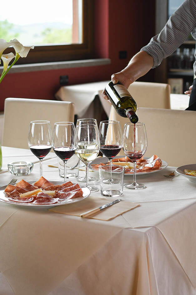 wine-tasting-tuscany-terenzi-scansano